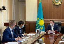 Photo of Ақмола облысының әкімі «Астана Моторс» ҚМК-нің өкілдерімен кездесті